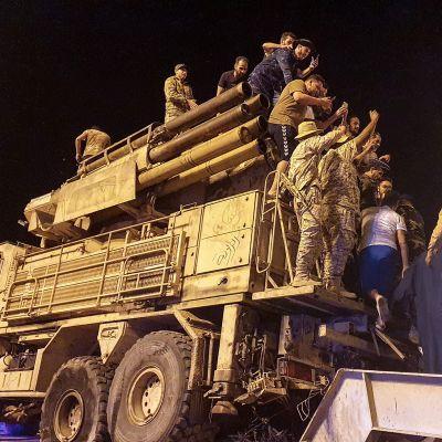 Libyalaisten valtaama venäläinen ilmatorjuntaase.