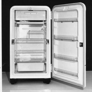 Tapio Wirkkalan suunnittelema UPO jääkaappi