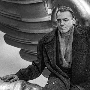 Bruno Ganz on enkeli elokuvassa Berliinin taivaan alla.