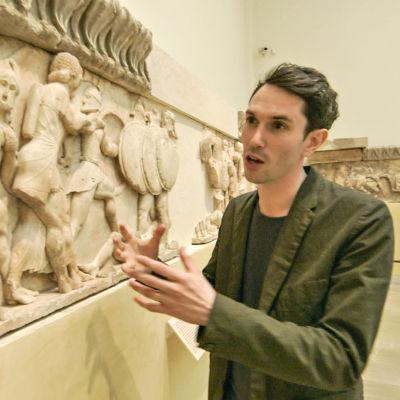 Alastair Sooke sarjassa Muinaisen Kreikan taideaarteet