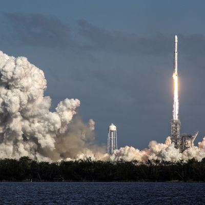 SpaceX ampaisee avaruuteen.