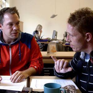 Tanskalaissarja seuraa päihderiippuvaisten elämää asuntolassa, jossa he yrittävät palata takaisin normaaliin elämään.