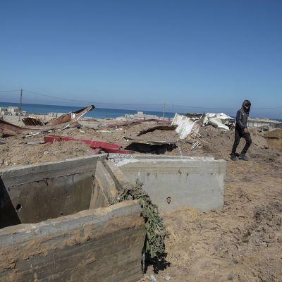 Israel kertoo pommittaneensa Gazaa vastauksena raketti-iskuun. Kuva maaliskuun 9. päivältä, jolloin Israel myös pommitti Gazaa.