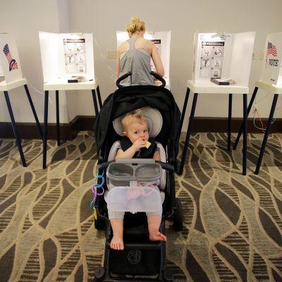 Äänestyspaikka Los Angelesissa, Kaliforniassa.