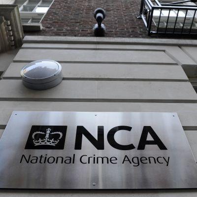 Britannian rikosviraston NCA:n logo Lontoossa, Iso-Britanniassa
