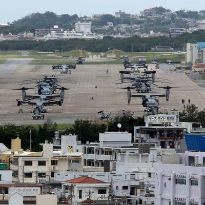 Yhdysvaltain Futenma-sotilastukikohta Okinawan saarella Japanissa.