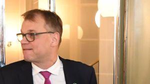 Centerns Juha Sipilä i riksdagen.