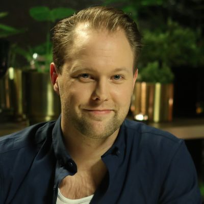 Dennis Nylund i Efter Nios studio.