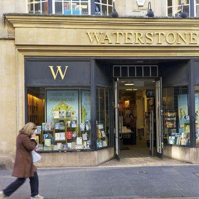 Waterstone's -kirjakauppaketjun myymälä Exeterissa, Iso-Britanniassa.