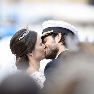 Hääpari Sofia Hellqvist ja Ruotsin prinssi Philip.