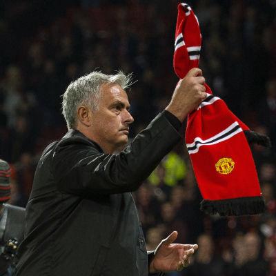 Jose Mourinho tackar United-fansen.