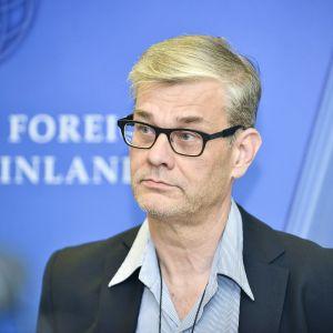 Ulkoministeriön konsulipäällikkö Pasi Tuominen.