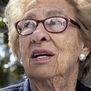 Anne Frankin siskopuoli Eva Schloss selvisi hengissä Auschwitzin keskitysleiriltä.
