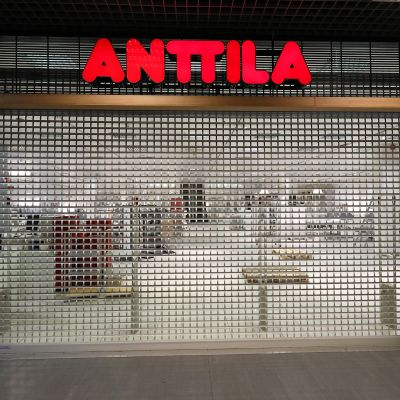 Suljettu Anttilan tavaratalo Joensuussa syyskuussa 2016.