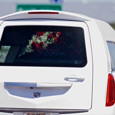 Roy Oliverin luoteihin kuolleen 15-vuotiaan pojan hautajaiset järjestettiin Mesquitessa, Teksasissa 29. huhtikuuta 2017.