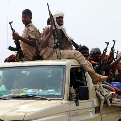 Sudanilaisjoukkoja kuvattuna Hodeidan satamakaupungin lähettyvillä Jemenissä kesäkuussa 2018.