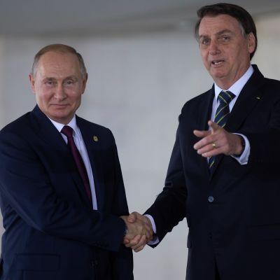 Putin ja Bolsonaro kuvattuna Brics-huippukokouksessa Brasiliassa viime vuonna.