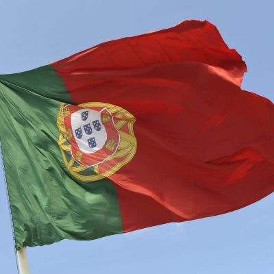 Portugalin lippu liehuu Lissabonissa.