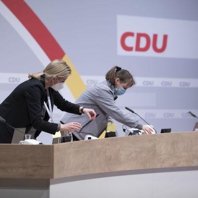 Berliinissä valmisteltiin toisspäivänä tiloja kristillisdemokraattien etäpuoluekokousta varten.