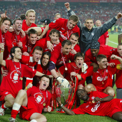 Liverpools spelare jublar efter Champions League-segern 2005.