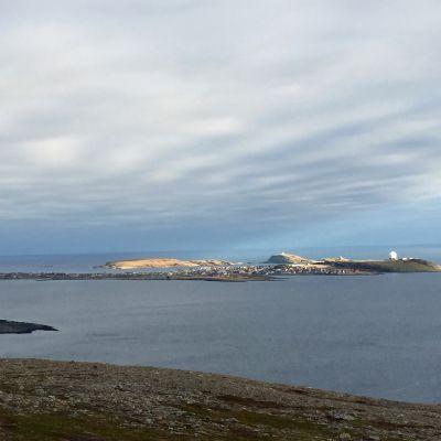 Vardøn saarikaupunki Barentsinmeren rannikolla Pohjois-Norjassa.