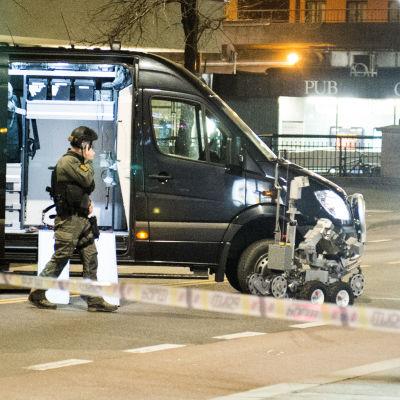 Polisens bombrobot i centrala Oslo den 8 april 2017.