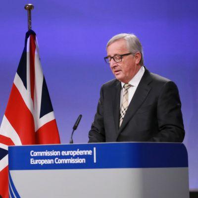 Britannian pääministeri Theresa May ja komission puheenjohtaja Jean-Claude Juncker.