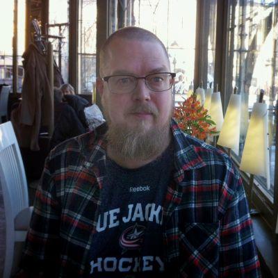 Kirjailija Tuomas Kyrö