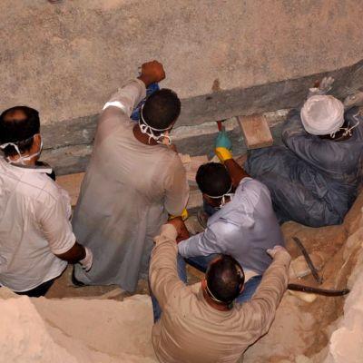 Iso sarkofagi pysäytti rakennustyömaan egyptiläisessä Aleksanrdian kaupungissa