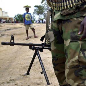 Närmare 400 000 människor har flytt undan våld och blödarsjukan ebola i provinsen Ituri under de två senaste veckorna