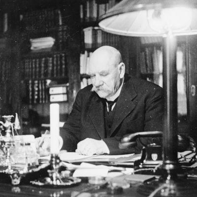 P.E. Svinhufvud