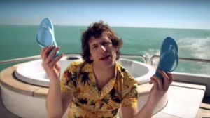 andy samberg i lonely island on a boat skärmdump