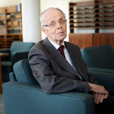 Kuvassa Helsingin yliopiston entinen rehtori, akateemikko, emeritusprofessori Olli Lehto.