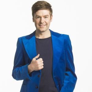 Thomas Lundin sångare, skådespelare, programledare och schlagerexpert.