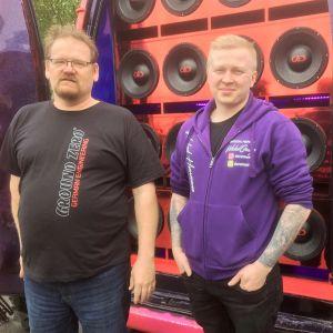 Timo Raudasoja ja Emppu Pietikäinen ovat bassottelijoita