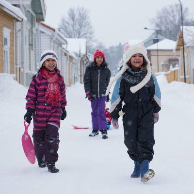 Irakiska flickor i Lovisa.