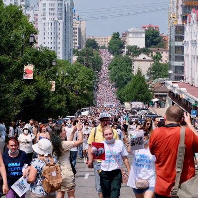 Antalet demonstranter i Chabarovsk uppskattades till allt mellan 15 000 och 50 000. Det är mycket i dagens Ryssland.