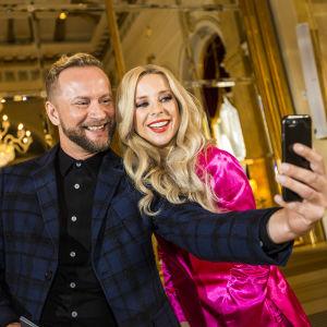 Krista Siegfrids ja Mikko Silvennoinen UMK18-pressissä 7.11.17