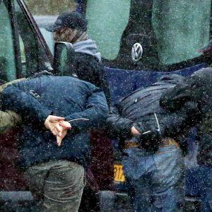 Säkerhetsvakter för bort demonstranter i Minsk 29.11.2020