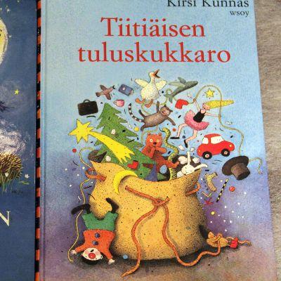 Kirsi Kunnaksen lastenrunokirjat Tiitiäisen satupuu ja Tiitiäisen tuluskukkaro