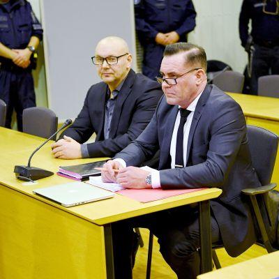 Tero Holopainen ja Ilkka Ukkonen  Itä-Uudenmaan käräjäoikeudessa.