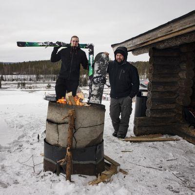 Lauri Nenonen ja Aki Räisänen Vuokatin rinnelaavulla.