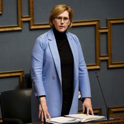 Kuvassa on työministeri Tuula Haatainen.