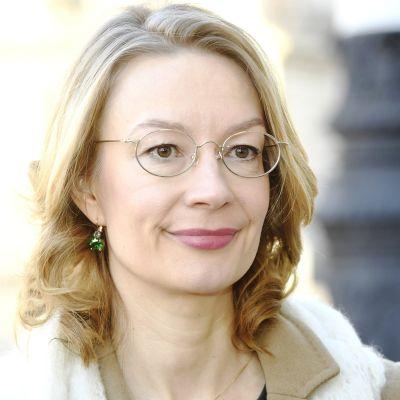 Eurooppa- ja omistajaohjausministeri Tytti Tuppurainen saapui hallituksen kehysriihineuvotteluihin.