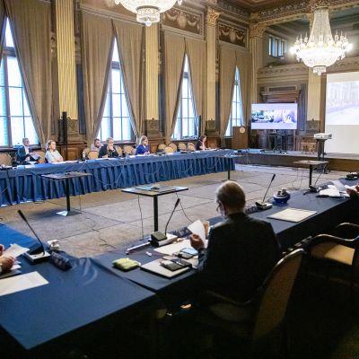 Hallituksen lisätalousarvioneuvottelu Säätytalossa.