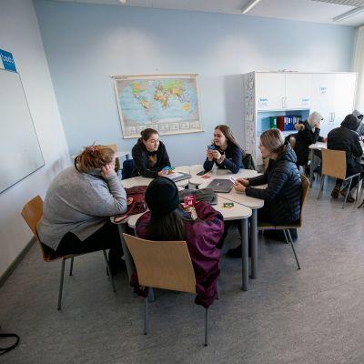 Opiskelijoita Tampereen seudun ammattiopisto Tredussa.