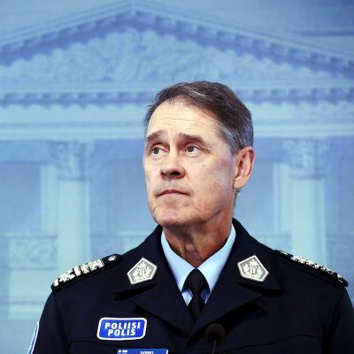 Poliisiylijohtaja Seppo Kolehmainen esitteli poliisibarometrin tuloksia Helsingissä 15. heinäkuuta 2020.