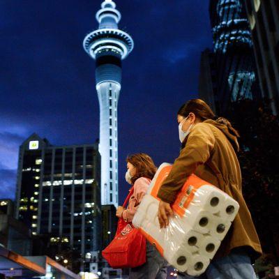 Kuvassa on näkymä Aucklandiin.
