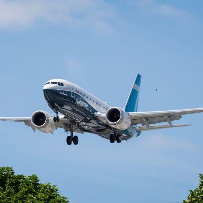Kuvassa on Boeing 737 MAX 7.