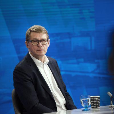 Matti Vanhanen Yle TV 1:n Ykkösaamun vieraana.